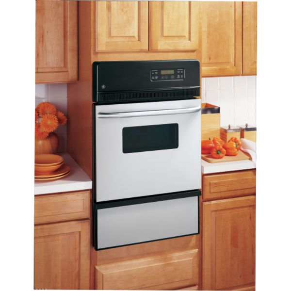 The Royal Sovereign ARP-4012 is a 3-in-1 air comfort system is a 12,000 BTU Portable Air Conditioner with compact, slim line styling. This robust air conditioner also