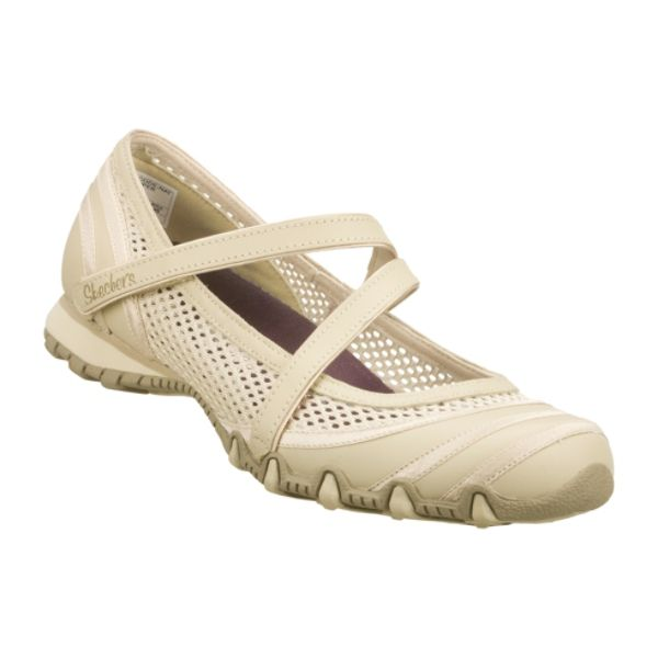 Sears has a large selection of women's sandals that are perfect for summer. Feel comfy and carefree in a pair of women's flip flops from Sears.