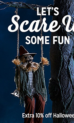 Totally Ghoul Swinging Dead & sisal décor, 25% off