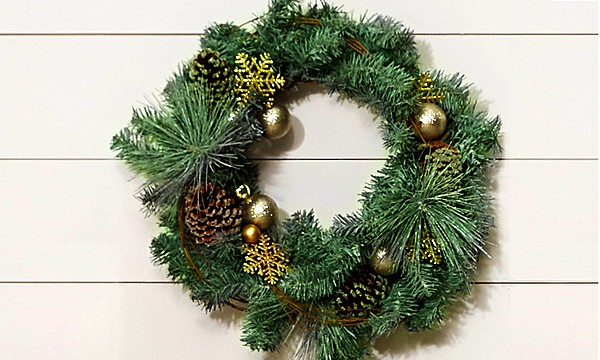 Shop Holiday Wreaths