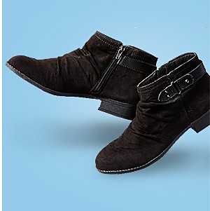 Women's fashion boots, 40% off