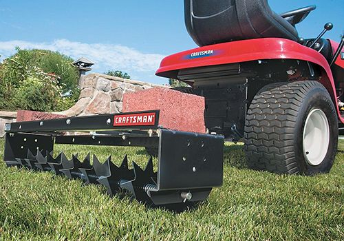Aerating a lawn in the fall