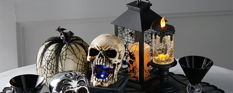 Scary Halloween centerpiece