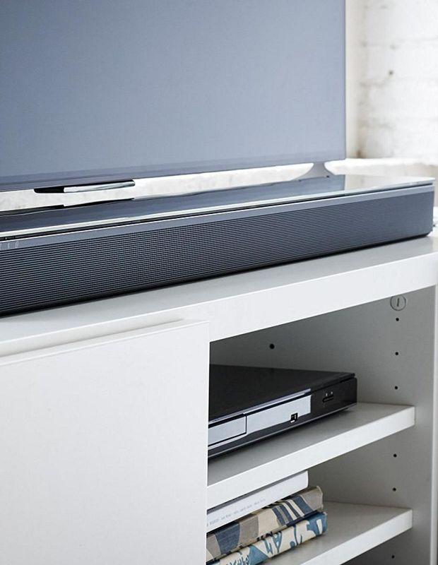 Soundbar with a flat screen TV