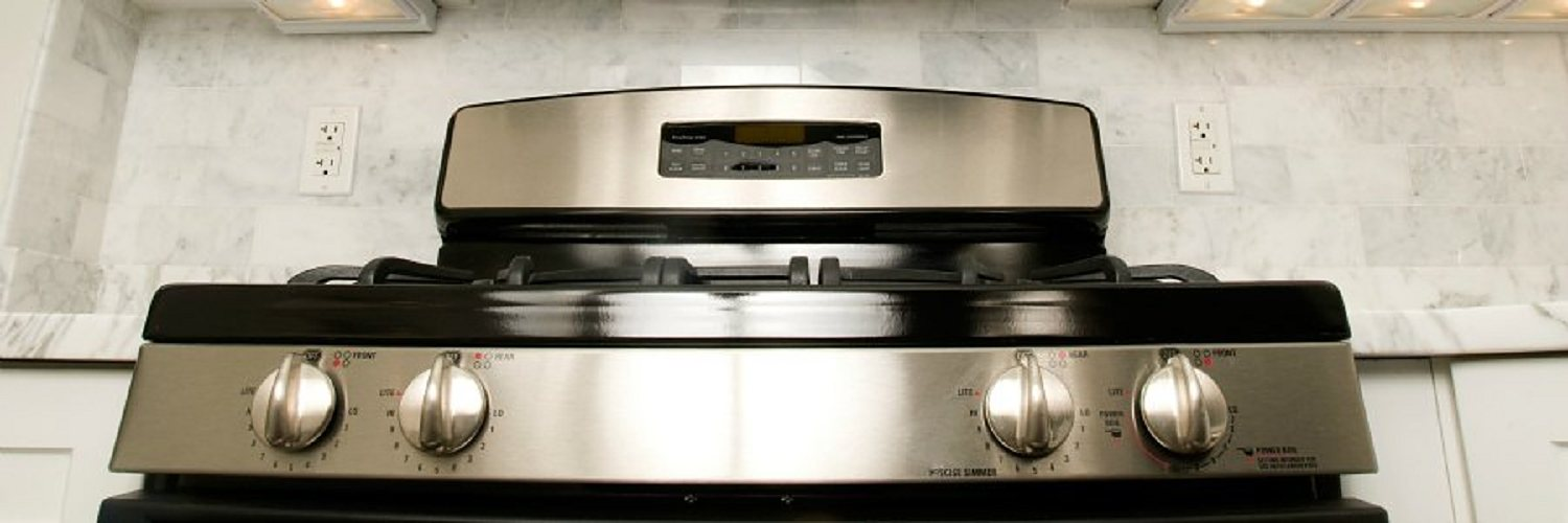 Stainless steel oven with digital thermostat