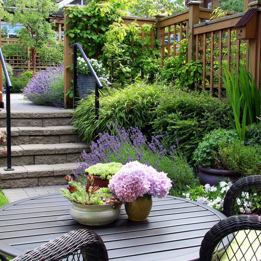5 Must-Haves to Create a Relaxing Outdoor Oasis