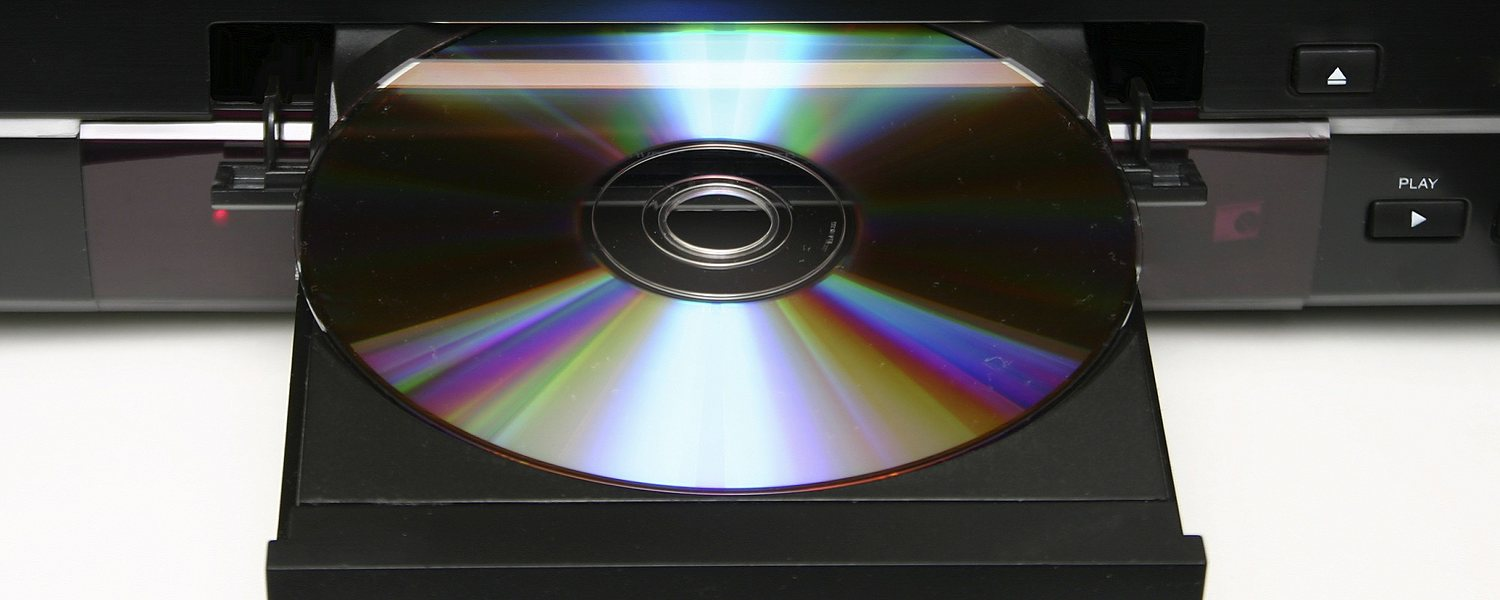 Cleaning a Blu-ray disc without scratching it