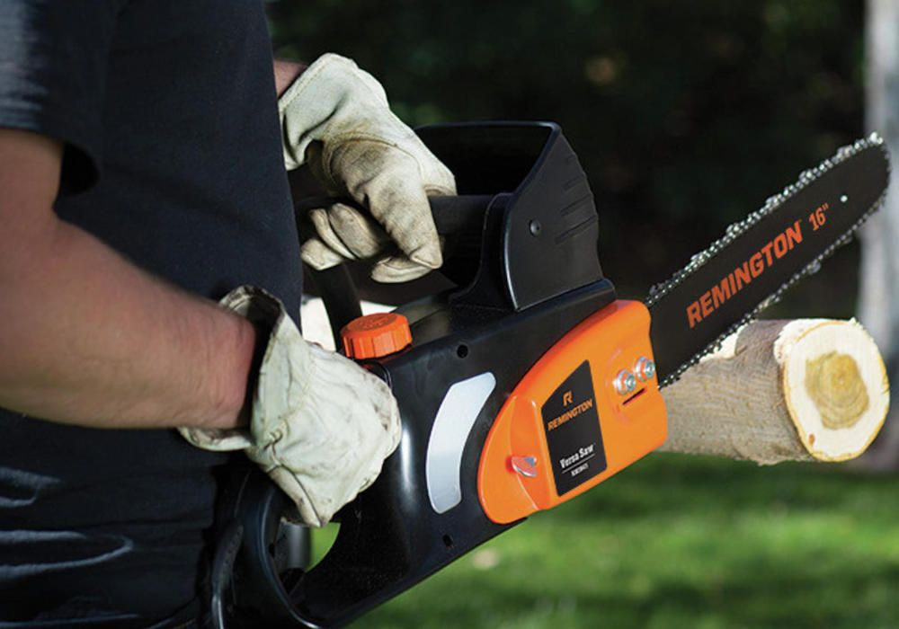 A Beginner's Guide to Buying a Chain Saw | Sears