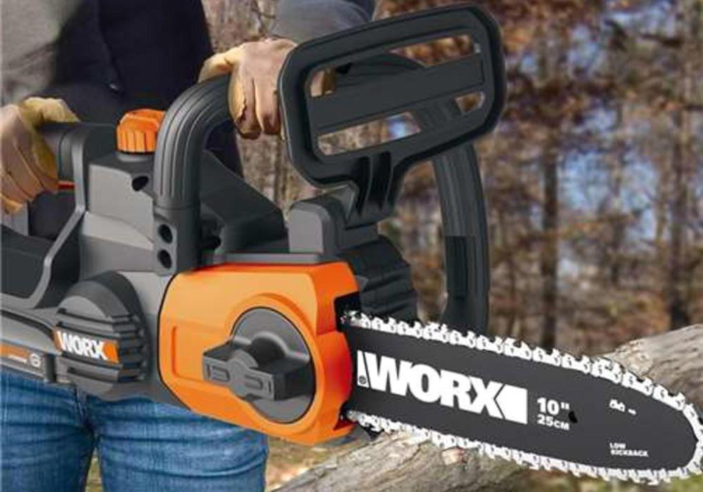 Convenient chain saw features