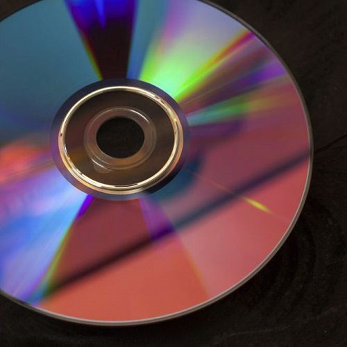 Letting a video game disc air dry