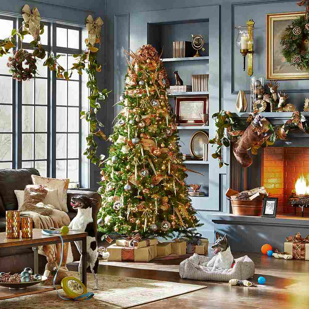 Decorating: Christmas Decorations
