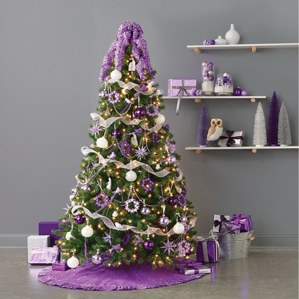 Christmas Decorations In Purple: Christmas Decorations
