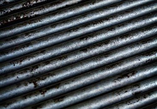 cleaning the grill grate