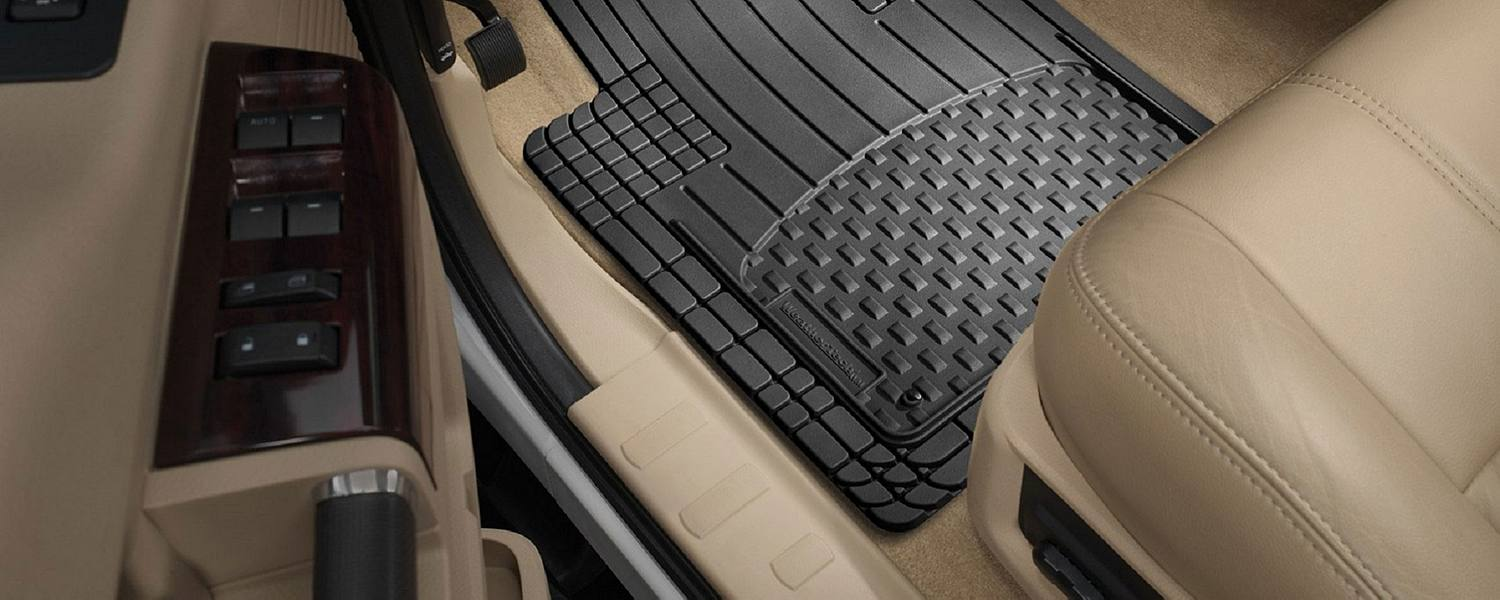 How to clean the leather seats of a car