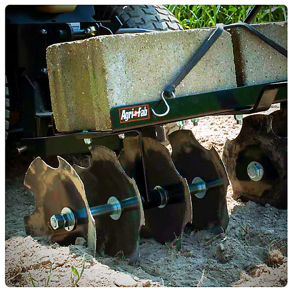 Guide to Lawn Tractor Attachments
